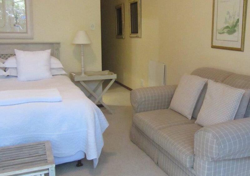 accommodation in constantia cape town